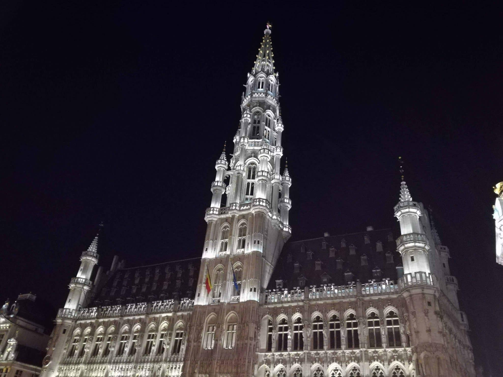 Brussels Grand Plaza in the night
